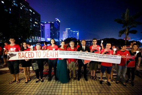 Group holds vigil to push for axing of dog races