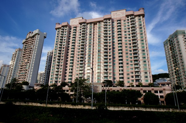 Macau lawmakers pass rent control bill
