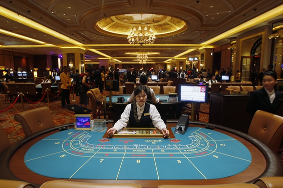 Union urges Macau government to stop granting more gaming tables