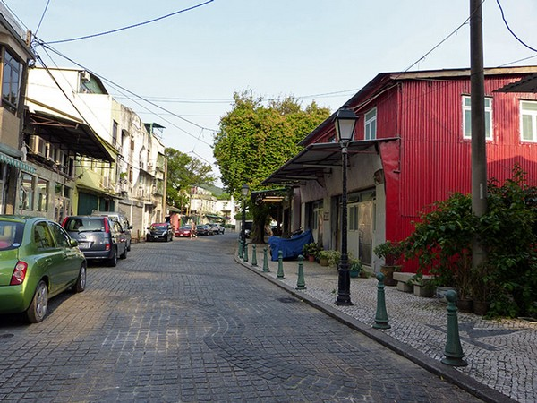 Islands rep wants stilt houses in Coloane, Macau, to become shops