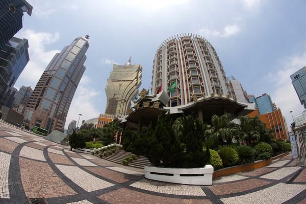 Macau's gaming revenue drops 21.4 percent in January