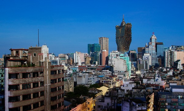 Macau's GDP contracts 20.3 percent in 2015