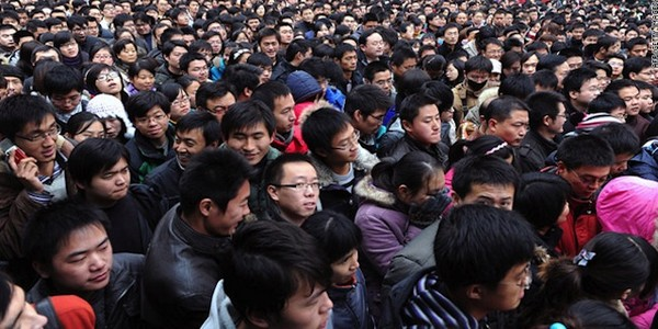 Macau's population reaches 646,800 people in 2015
