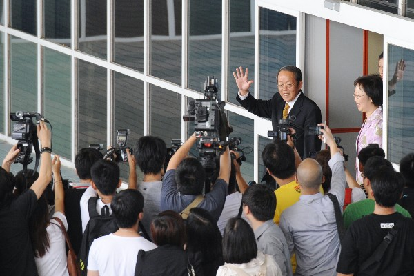 HKMAO director Wang Guangya arrives for three-day working visit