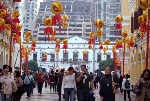Asians accounts of 97.4 pct of all visitors in 1st half