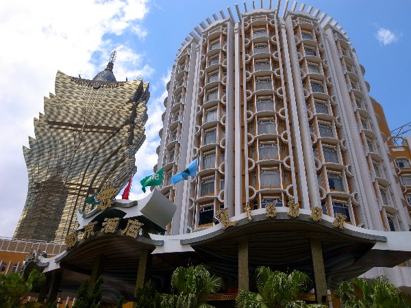 Hotels log nearly 4 million guests in 1st half
