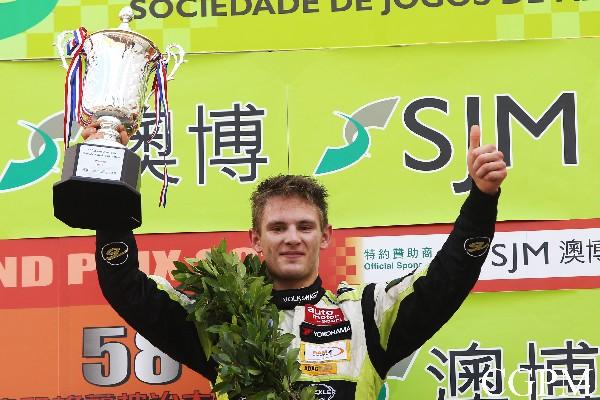 German Marco Wittmann wins Macau Formula 3 Grand Prix qualification race