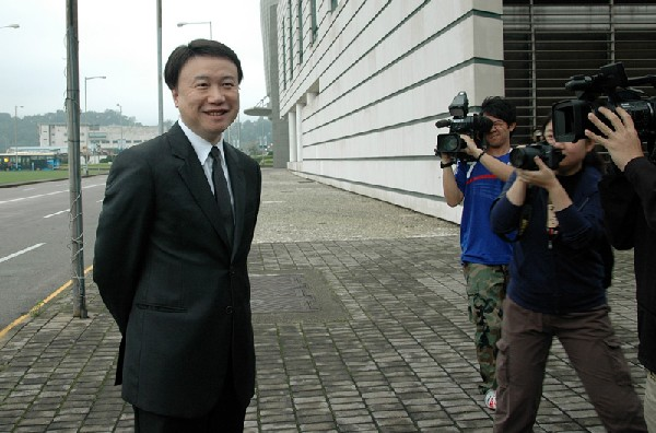 HK property tycoon and entertainment mogul to stand trial in Macau