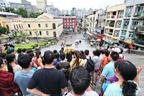 Visitor arrivals in June drop 3.4 pct