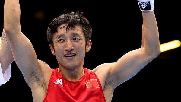 China's top boxer to make professional debut in Macau