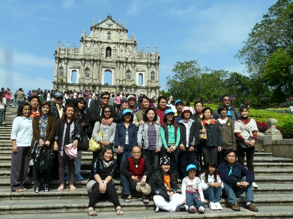 Visitors to Macau in the first two months of 2013 up by 2.1 percent
