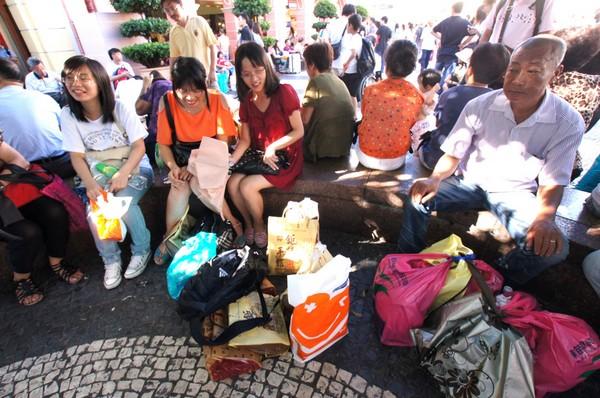 Tourist spending in Macau up 10 percent