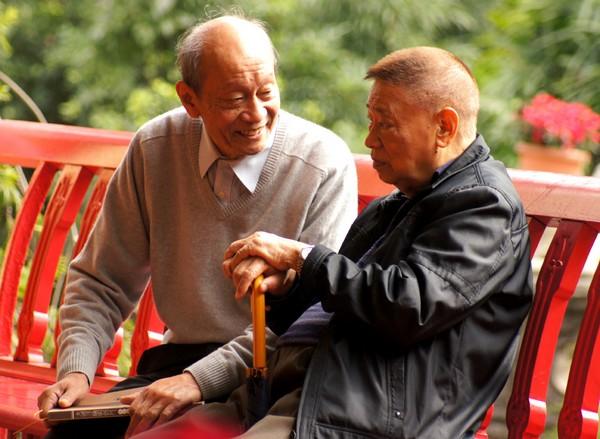 Govt raises annual subsidy for seniors to 6,600 patacas