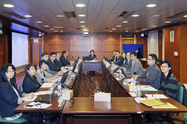 CE's electoral management committee vows to improve vote counting procedure