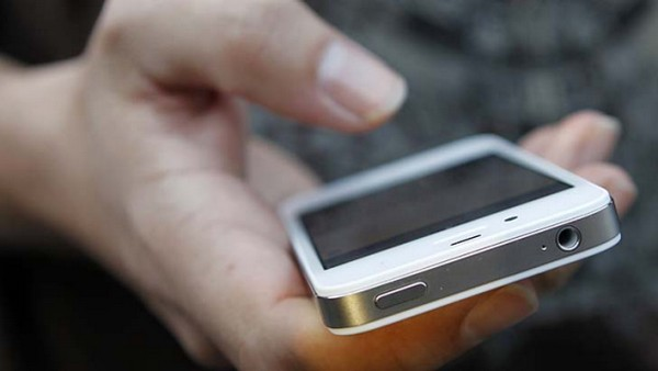 Police bust gang sending junk messages