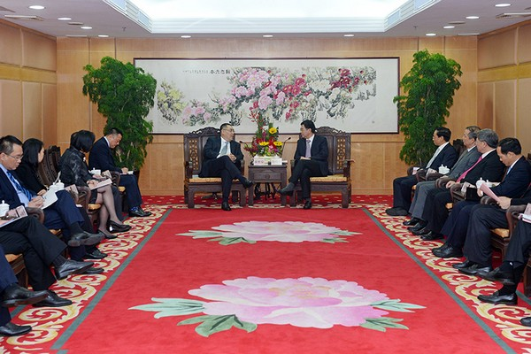 Macau Chief Executive calls for cooperation with Zhongshan, Guangdong