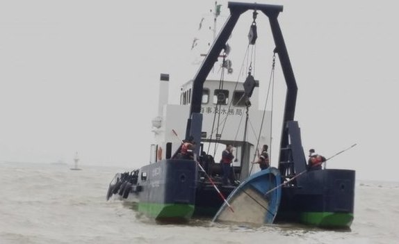 10 missing as boatload of illegal 'gamblers' from mainland China capsizes