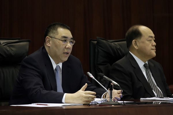 Chui Sai On lists 8 points for review of Macau casino contracts