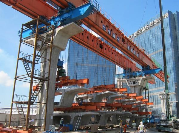 Macau LRT's numerous contractors causing difficulties