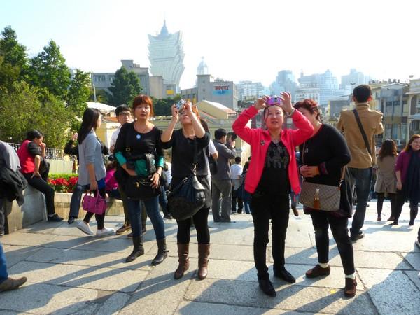 Visitors rise 1.6 pct to 9.47 million in Jan-April