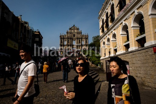 Macau's visitor arrivals up 2 pct year-on-year in October