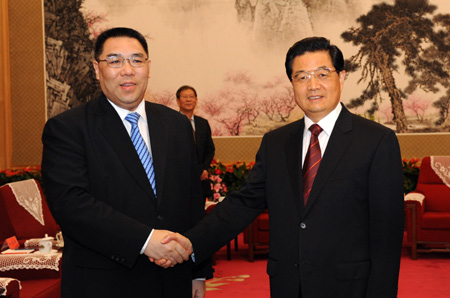 President Hu Jintao express support to Macau's new Chief Executive