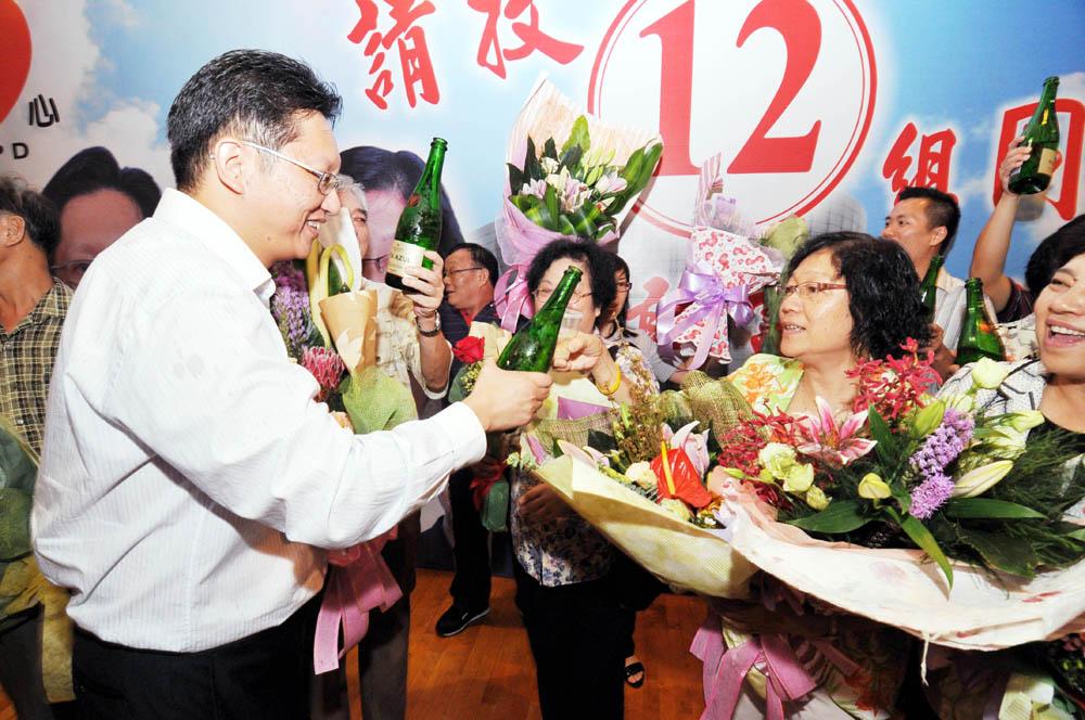Trade union group, Ng and  Au groups big Macau poll winners