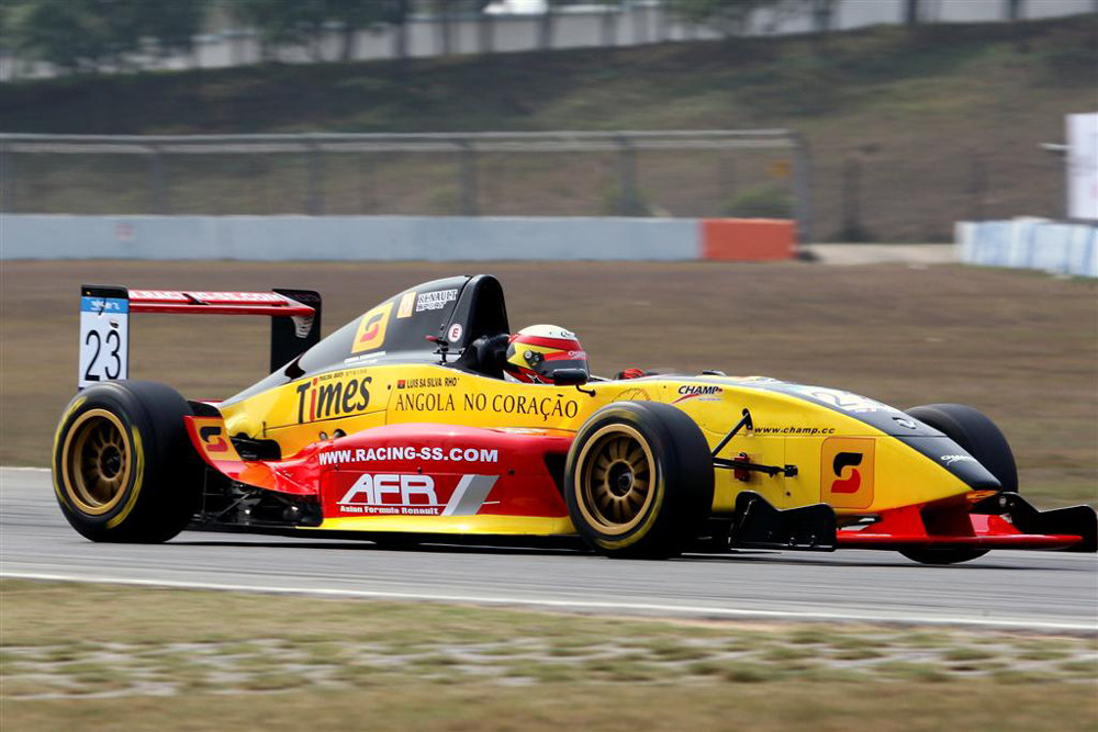 Angolan-born Macau resident to compete in Asian Formula Renault Challenge