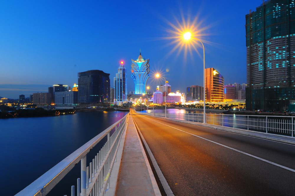 Next Macau's CE will consider 'shopping vouchers' to spur economy