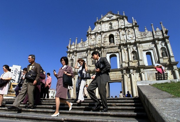 Macau's visitor arrivals up 12.1% in the first quarter of 2010