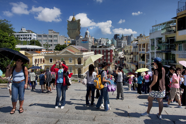 Macau receives over 800,000 visitors during Lunar New Year