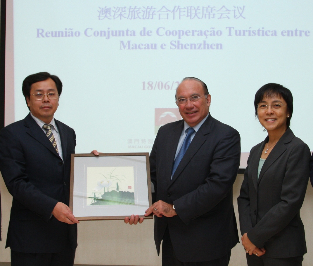 Shenzhen and Macau to strengthen tourism cooperation