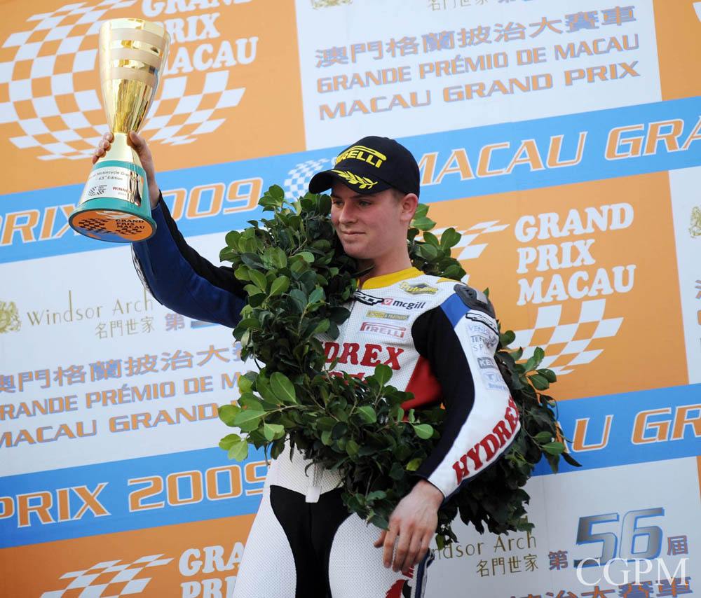 Stuart Easton wins again Macau Motorcycle Grand Prix