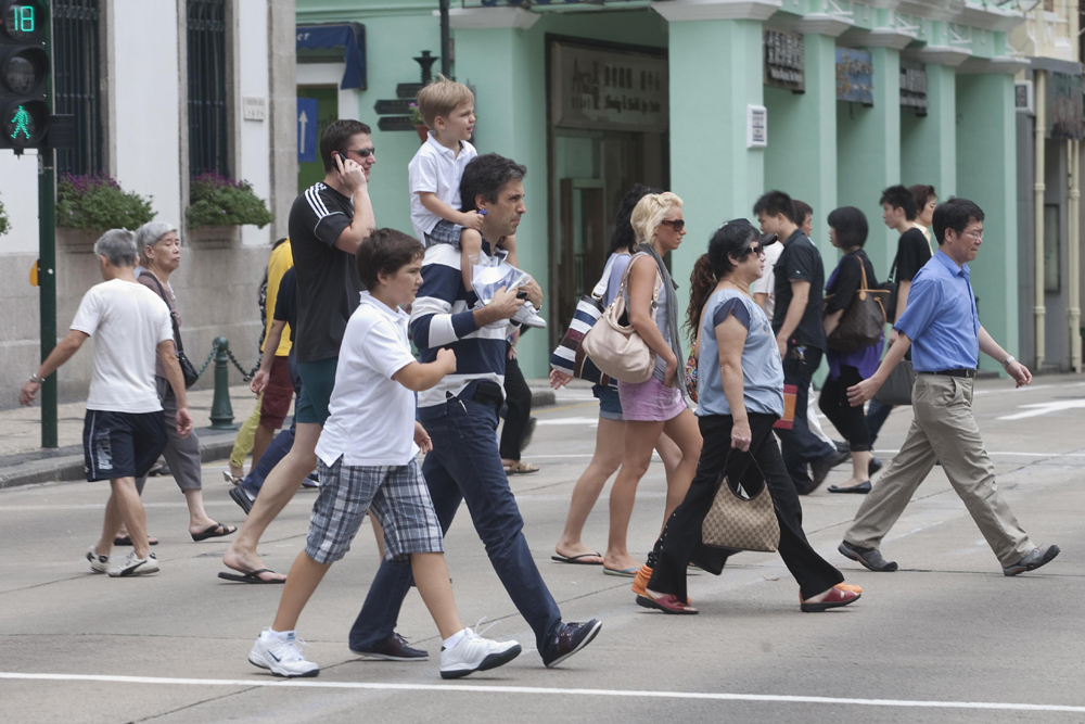 Visitors rise 3.8 pct to 1.68 million in September