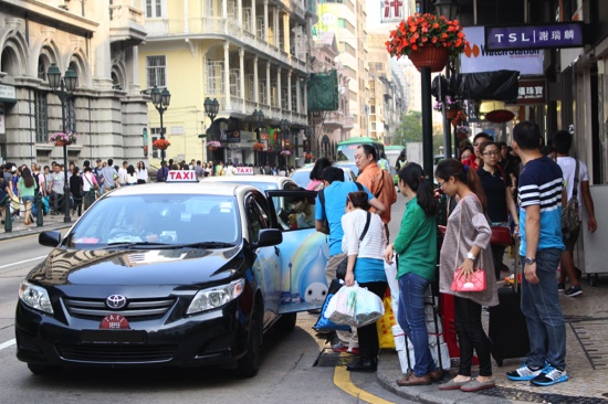 Uber 'closely related' to illegal taxis says Macau's transport chief