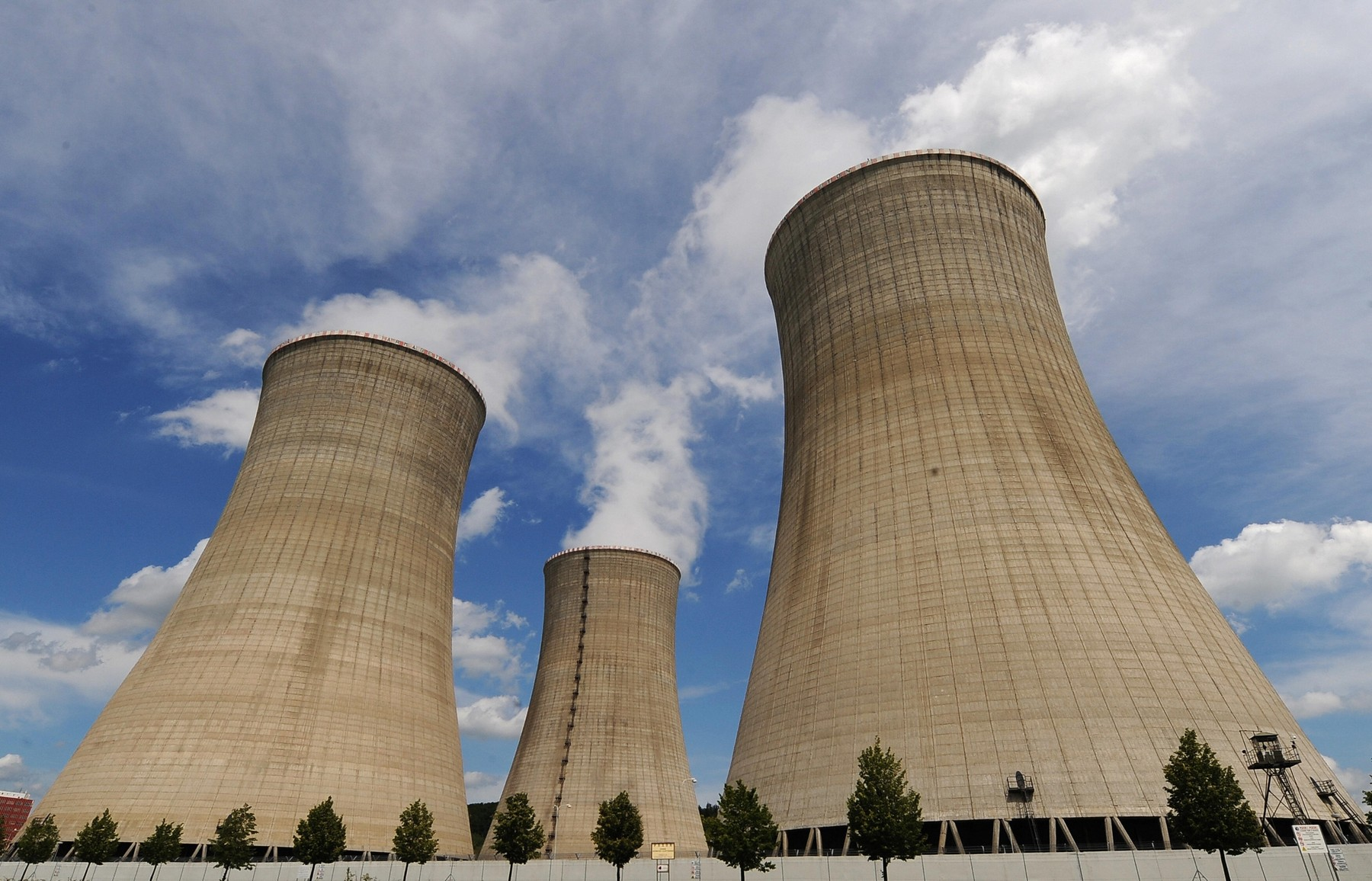 Macau government in talks with Guangdong over nuclear plant safety