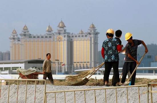 Imported workers account for 42 pct of Macau's labour force