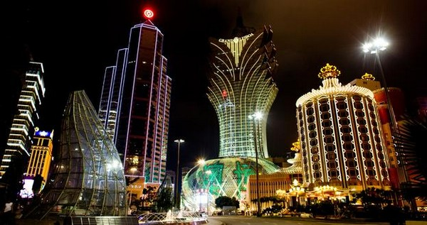 Macau's economy likely to shrink in first quarter of 2015