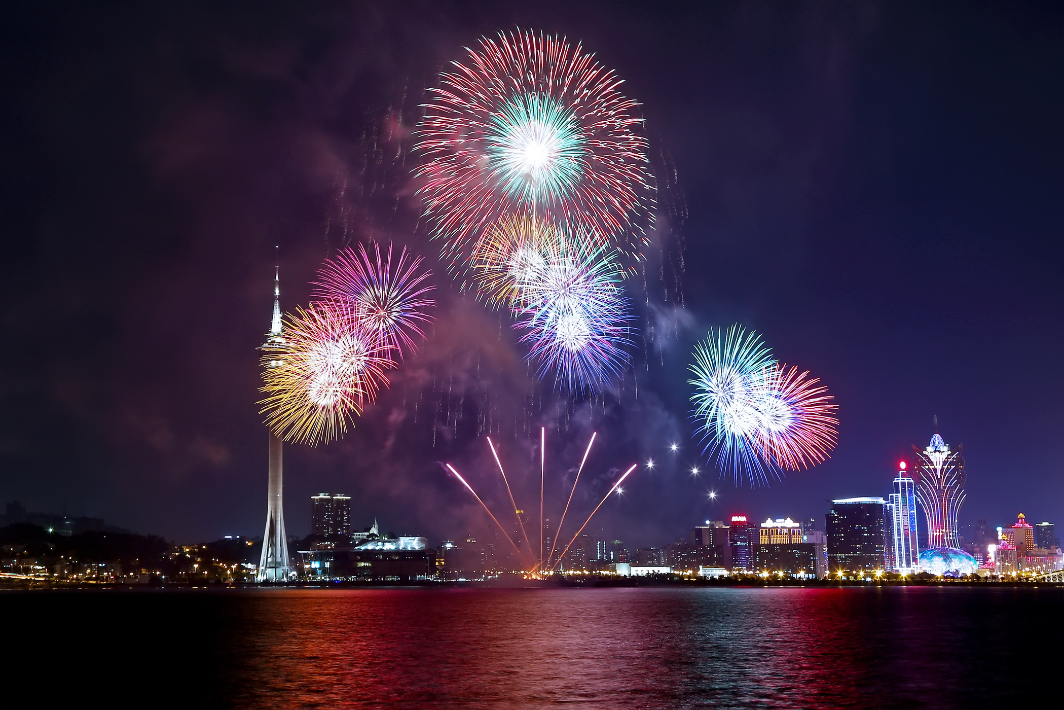 Japan wins Macao International Fireworks contest