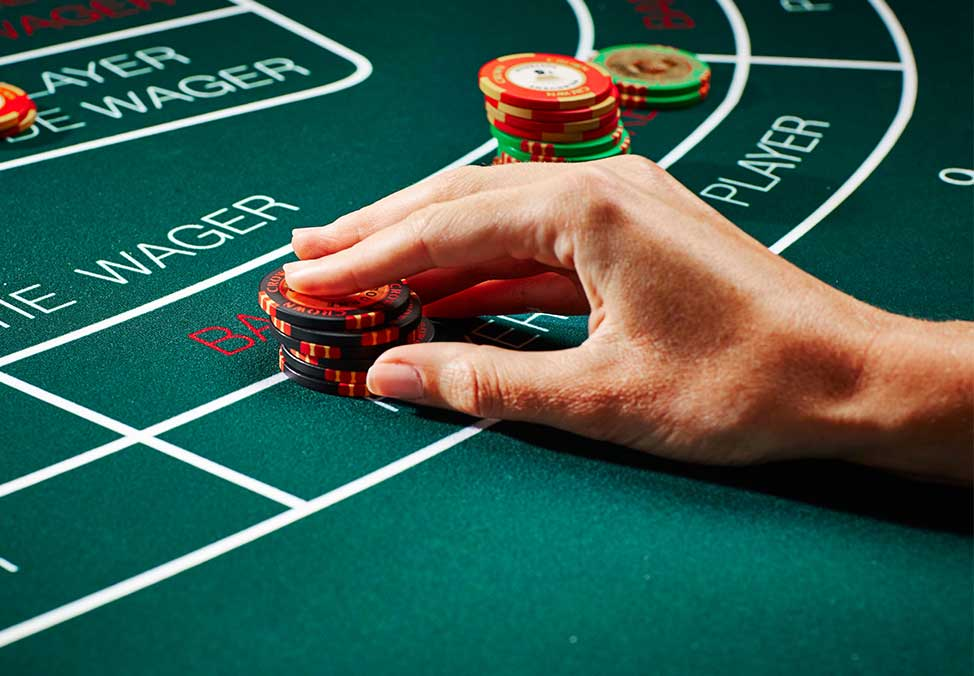Mass market baccarat ends 2016 with higher revenues at Macau's casinos