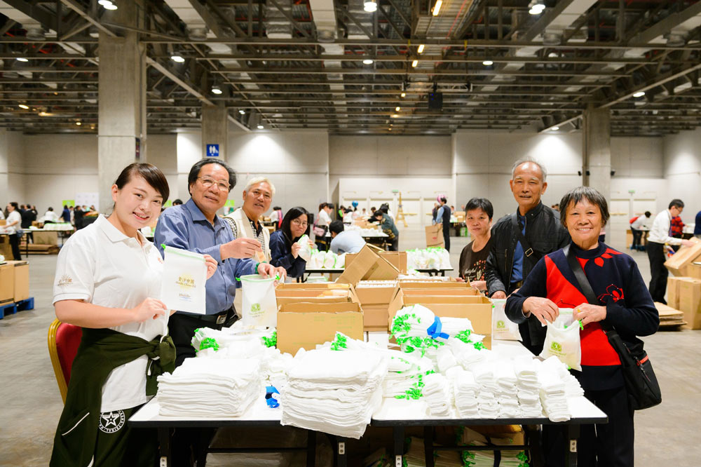 Sands staff pack 35,000 hygiene kits for Philippines