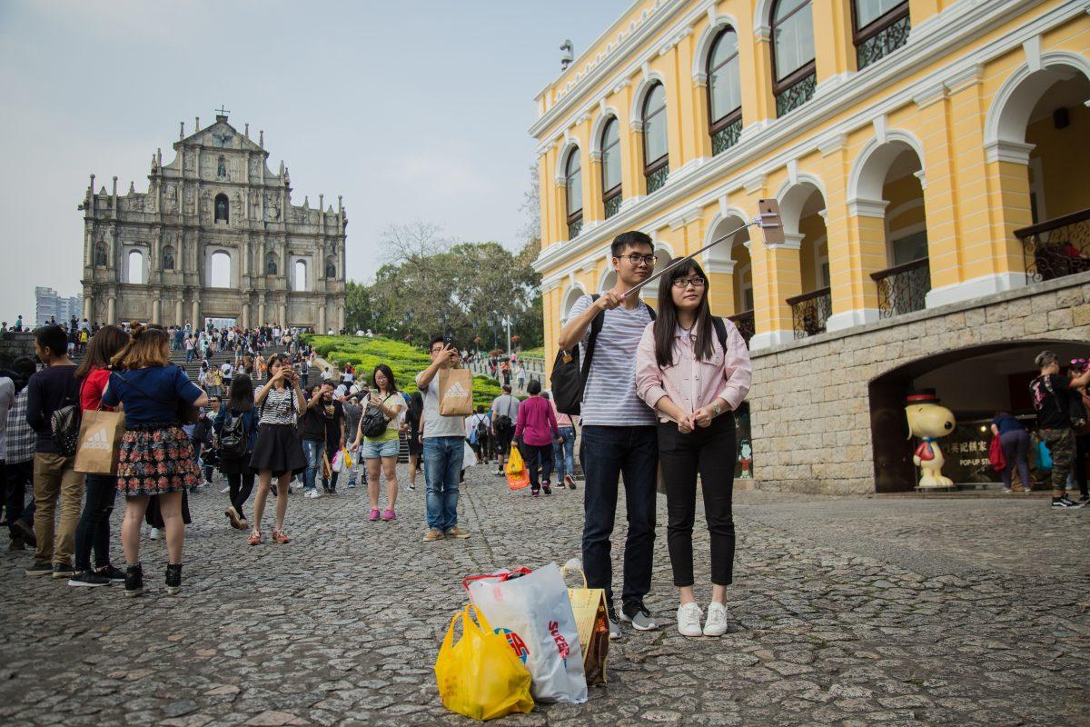 Mainland visitors rise 13 pct in Q1