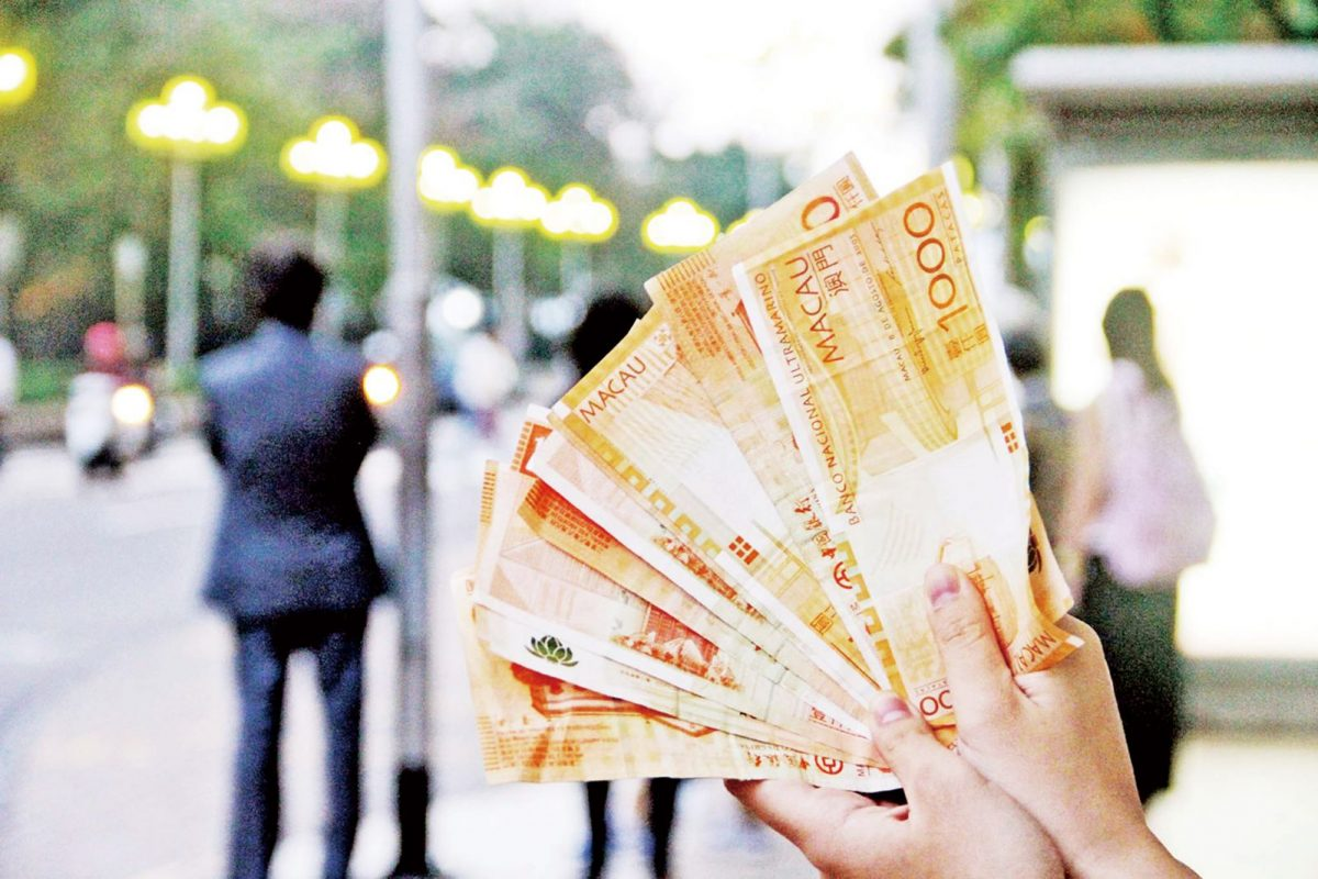 Handouts to rise to 10,000 patacas: report