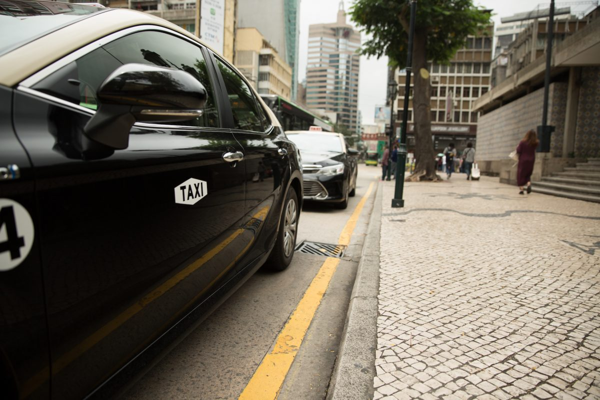 Lawmakers pass toughened taxi bill