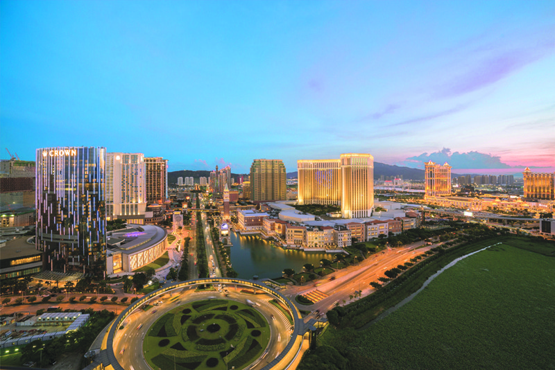 Macau casino's gross revenue rose 4.4% in February, after having slipped 5.0% in January