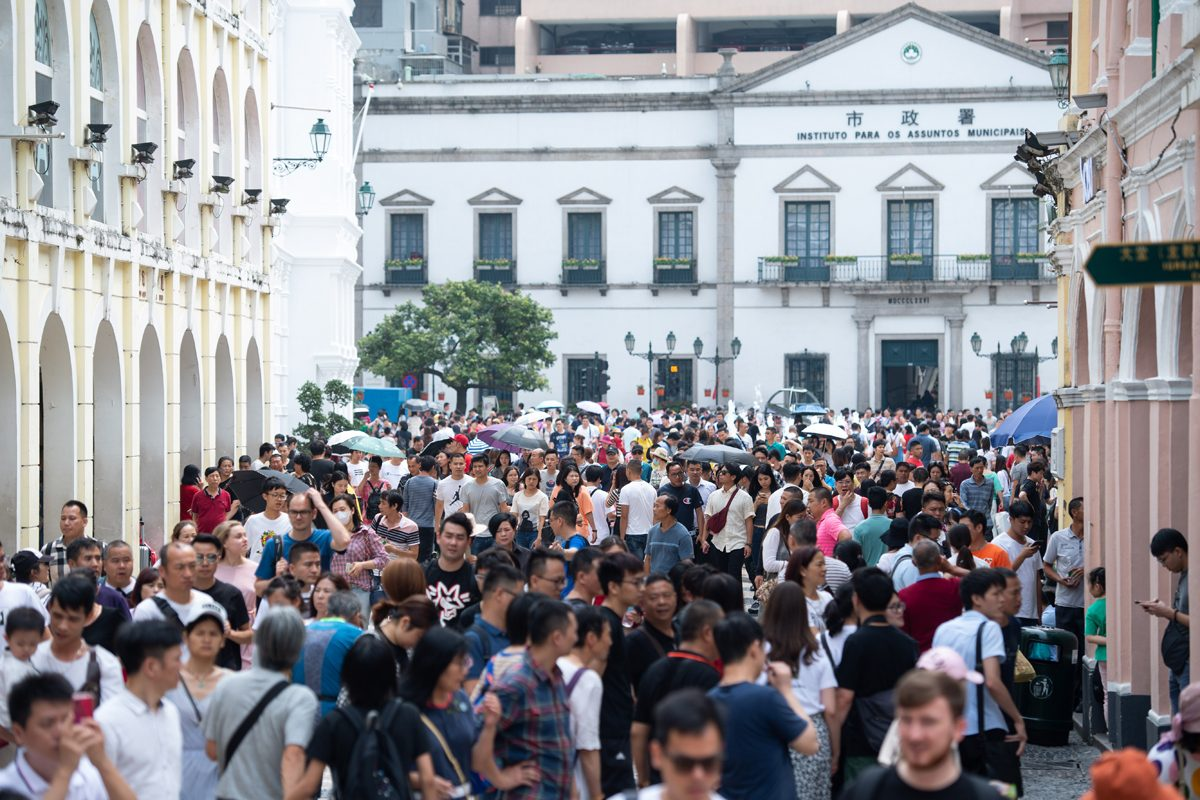 Visitors rise by 1/4 in May, daily average of 109,575