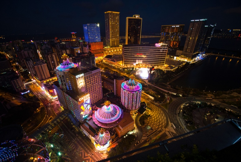 15% of Macau's employees work for gaming sector: survey