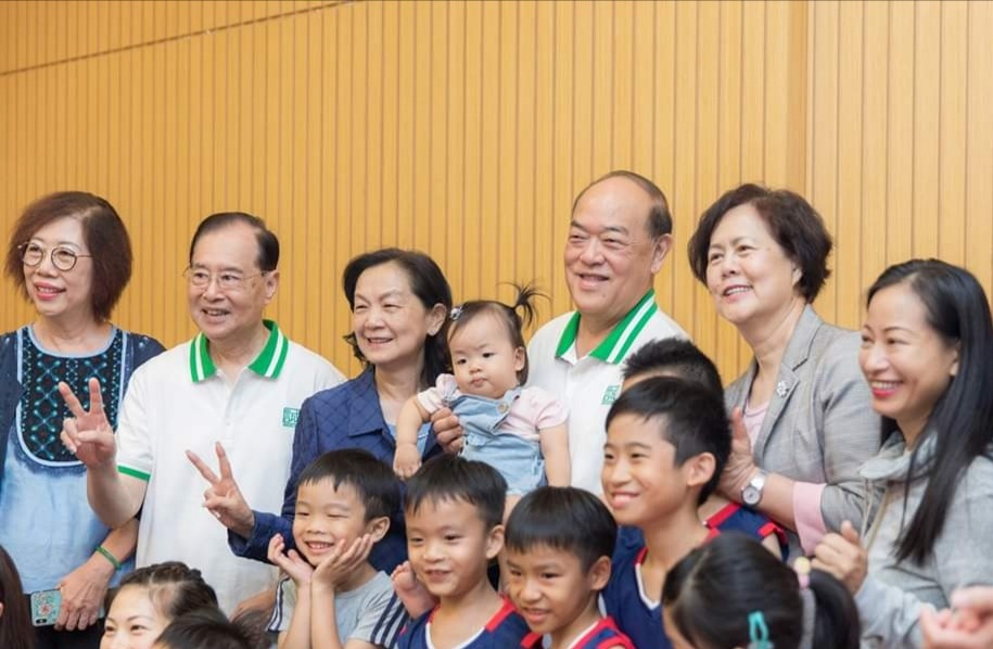 Ho stays mum on paid maternity leave issue, citing status as CE candidate