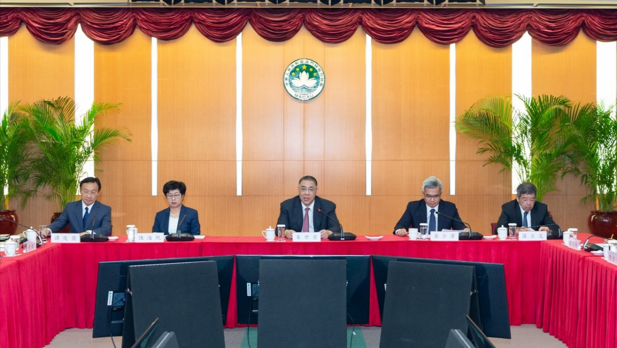 Chui urges committee to 'tell good stories' about Macau in BRI development