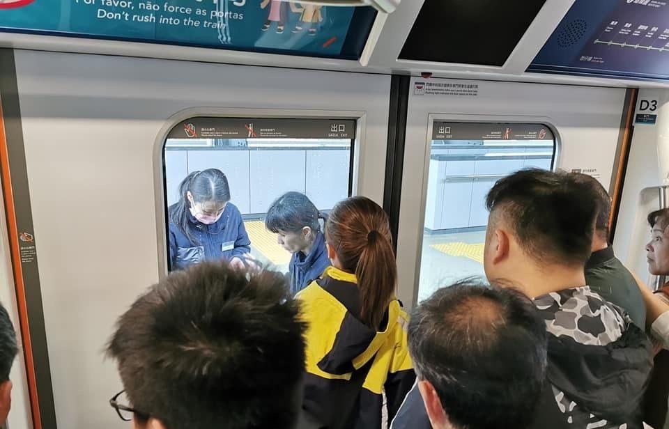 LRT malfunctions again